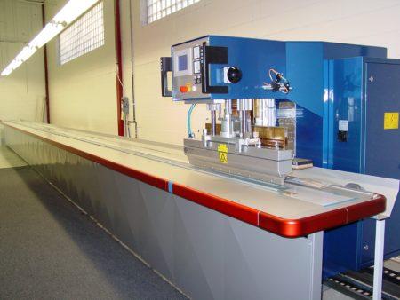 Внешний вид ТВЧ линии, предназначенной для изготовления изделий из полистирола, полиэтилена или полипропилена