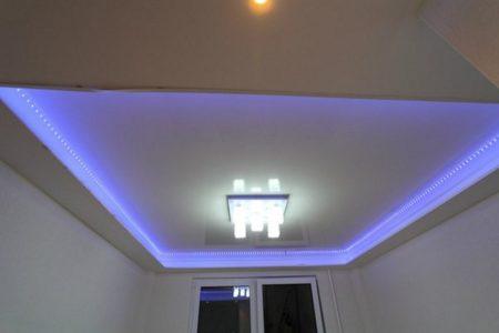 Эффект парящей конструкции за счет подсветки