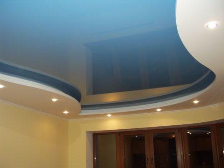 Вариант дизайна потолка с бесшовным покрытием