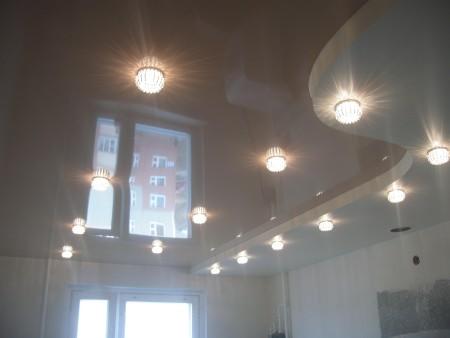 Софиты в качестве основных приборов света на натяжной конструкции