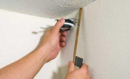 Размечаем основание потолка для установки профилей своими руками