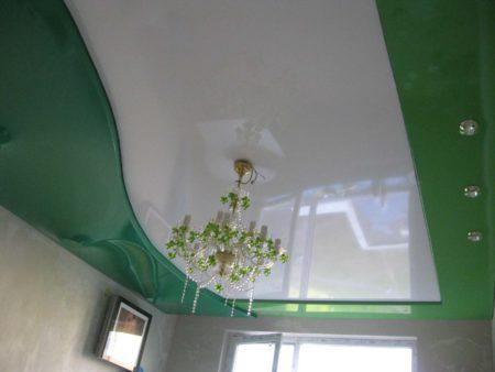 Провисание потолка при некачественной установке