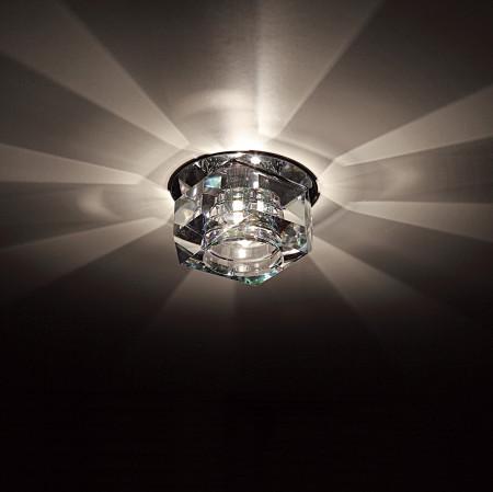 Установка света с помощью неординарных ламп на натяжной потолок