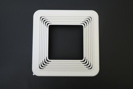 Квадратная универсальная закладная, диаметр подбирается под конкретный светильник и регулируется кольцами
