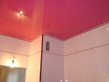 Пленочная отделка потолка