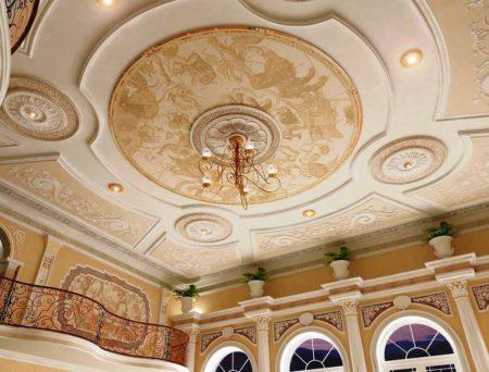 Покрытие потолка в стиле эклектика в квартире – модно и уникально