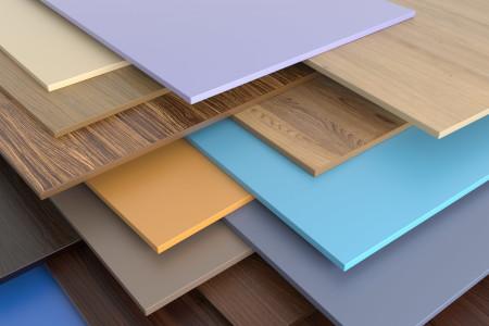 Разновидности цветных и текстурированных пластиковых панелей