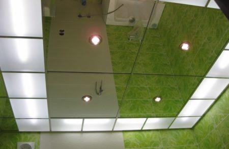 Зеркальная потолочная конструкция