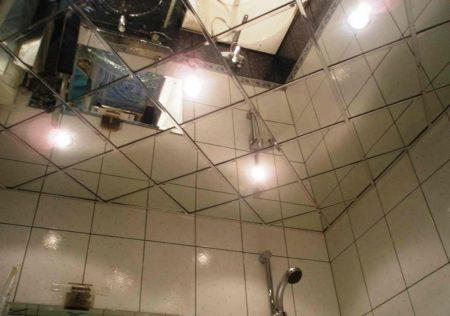 Потолочная поверхность зеркального типа – дорогой и роскошный вариант отделки