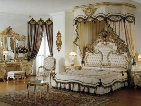 Дизайн спальни в богатом убранстве, фото