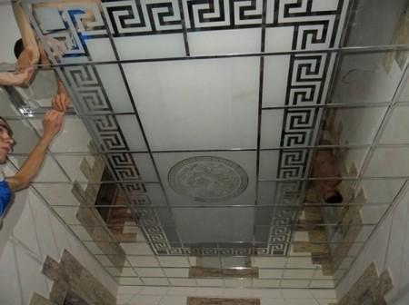 Монтаж плитки в модульный потолок