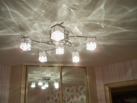 Лампы накаливания в натяжном потолке