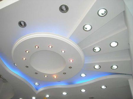 Фото готовой многоуровневой конструкции