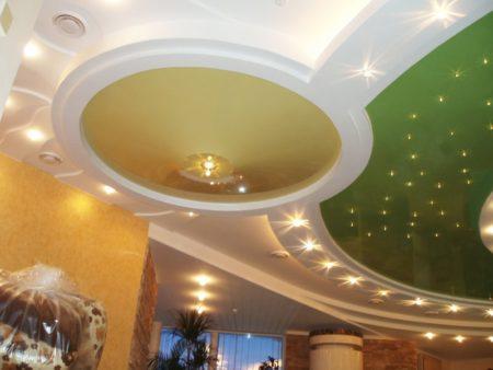 Натяжной потолок, состоящий из 3-х уровней