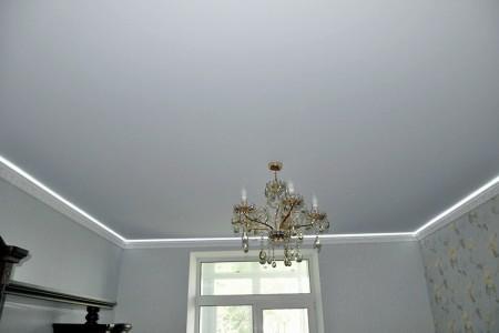 Главный вопрос, тревожащий людей: приносит ли вред такой потолок?