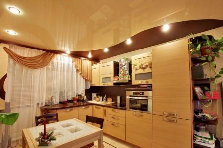 Влагостойкие натяжные потолки