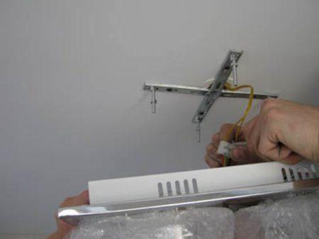 Крестообразная пластина для светильника