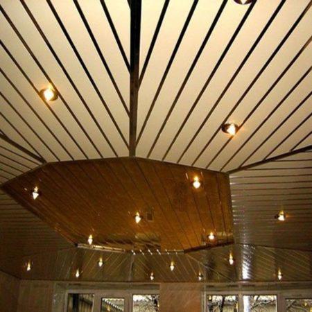 Глянцевый французский потолок