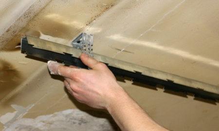 Закрепление стрингера на потолке