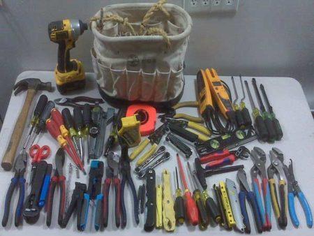 Инструмент электромонтера