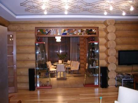Вариант натяжного потолка в деревянном доме