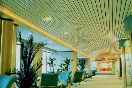Технологичный реечный потолок – произведение дизайнерского искусства