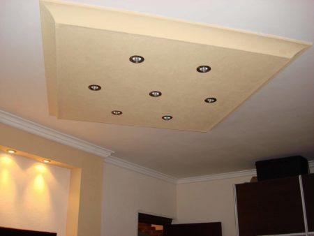 Один из возможных способов использования потолочной галтели в дизайне интерьера
