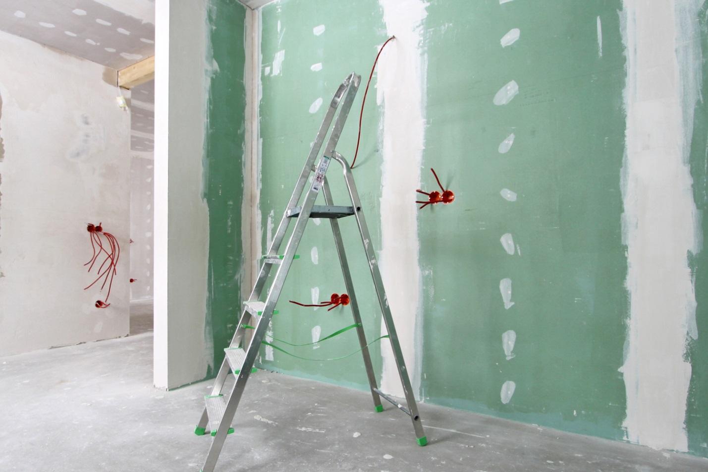 Пример выравнивания стен